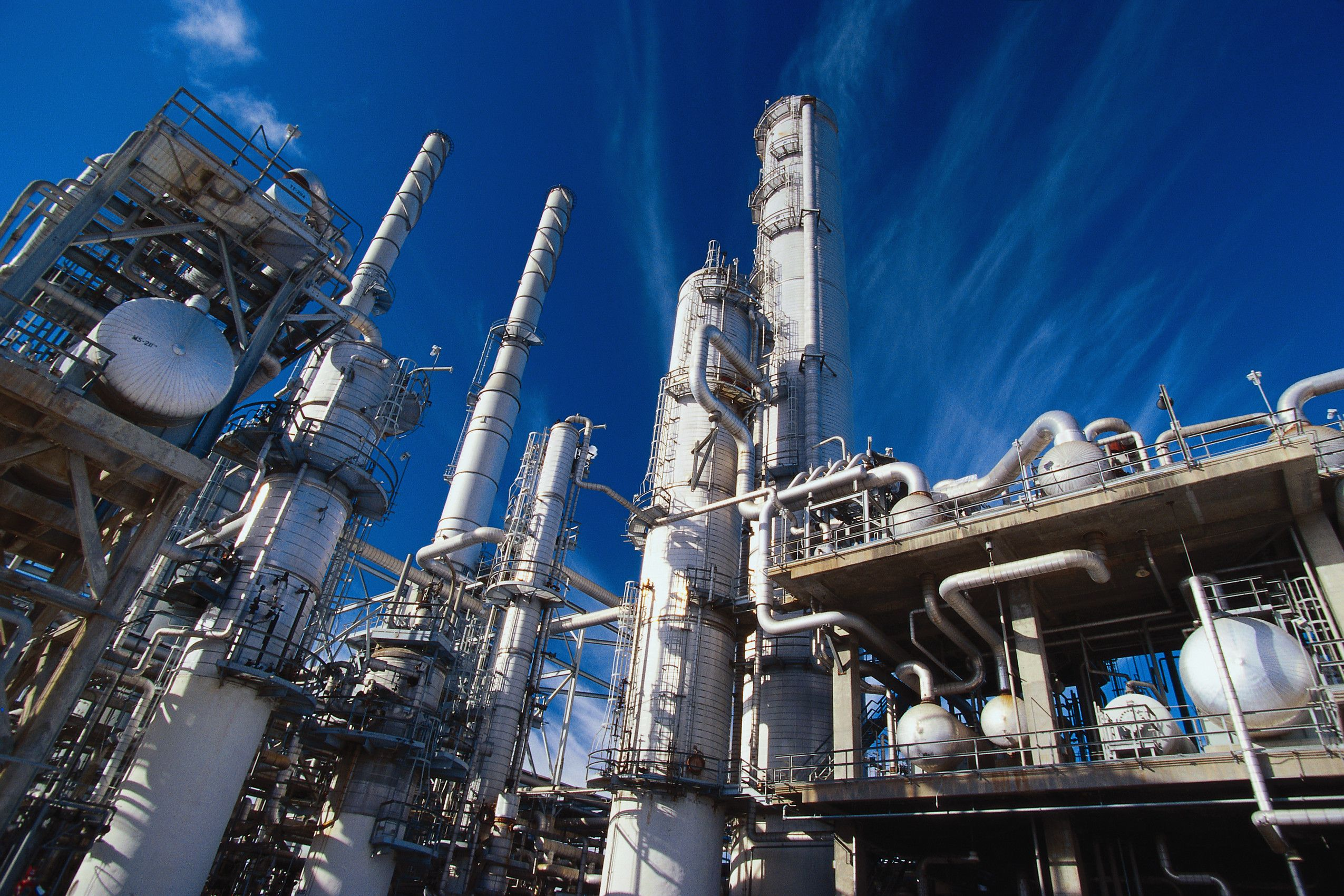 Tại sao nói: Công nghiệp hóa chất là ngành kinh tế mũi nhọn?