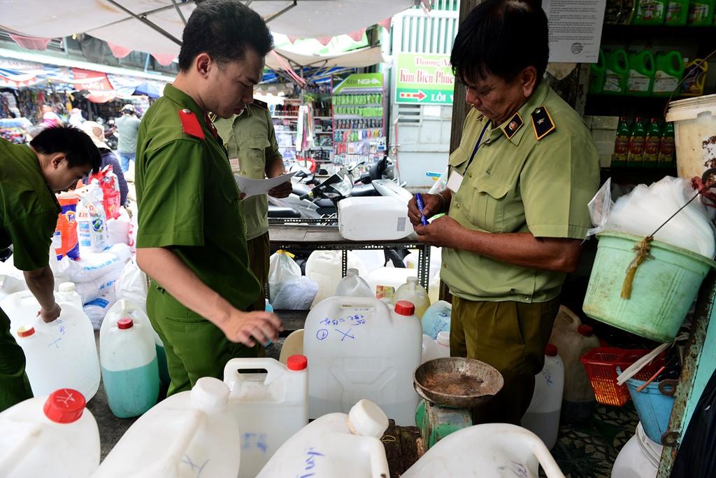 Bộ Công thương thắt chặt quản lý hóa chất độc hại